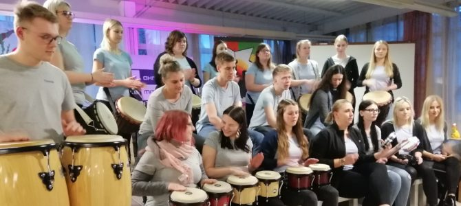 Percussiongroup bei YOUNIWORTH – Eröffnung